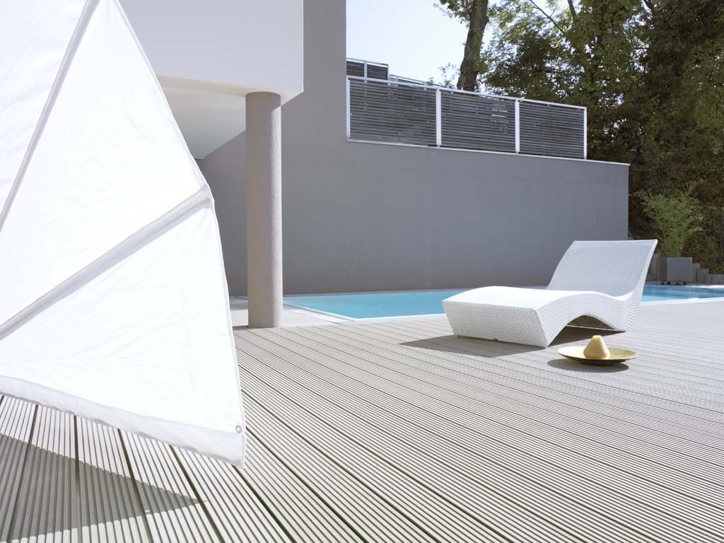 Decking compozit tip WPC - Pavarea suprafetelor din jurul piscinei REHAU - Poza 40
