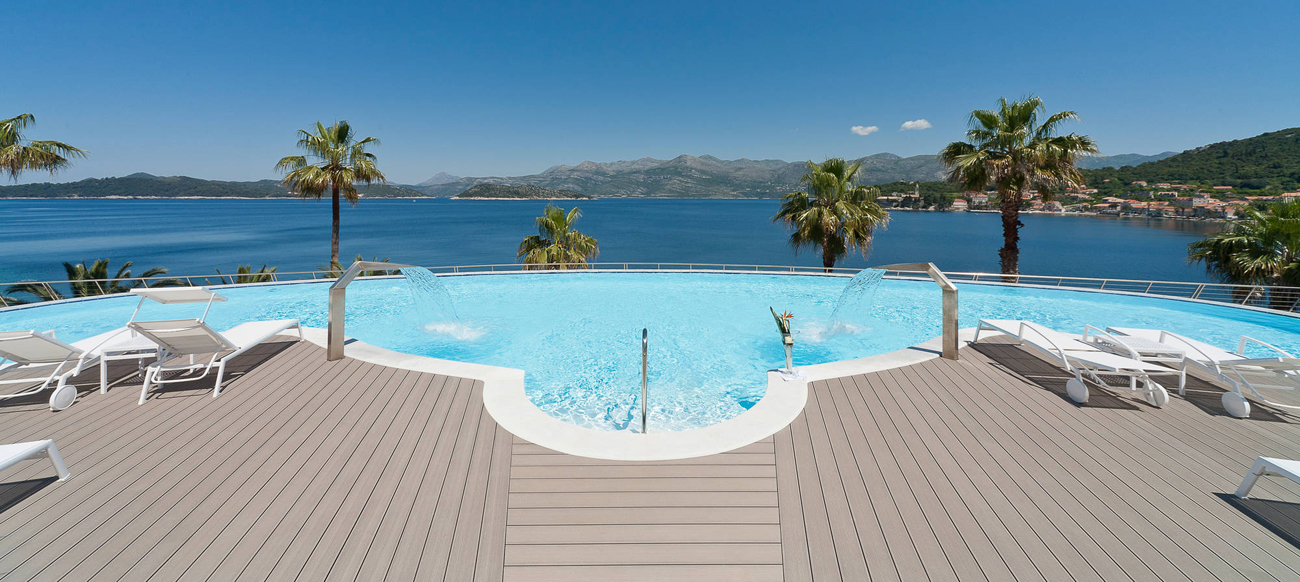 Decking compozit tip WPC - Pavarea suprafetelor din jurul piscinei REHAU - Poza 41