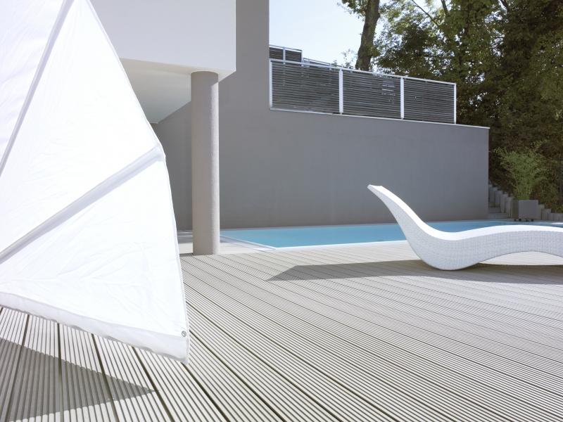 Decking compozit tip WPC - Pavarea suprafetelor din jurul piscinei REHAU - Poza 43