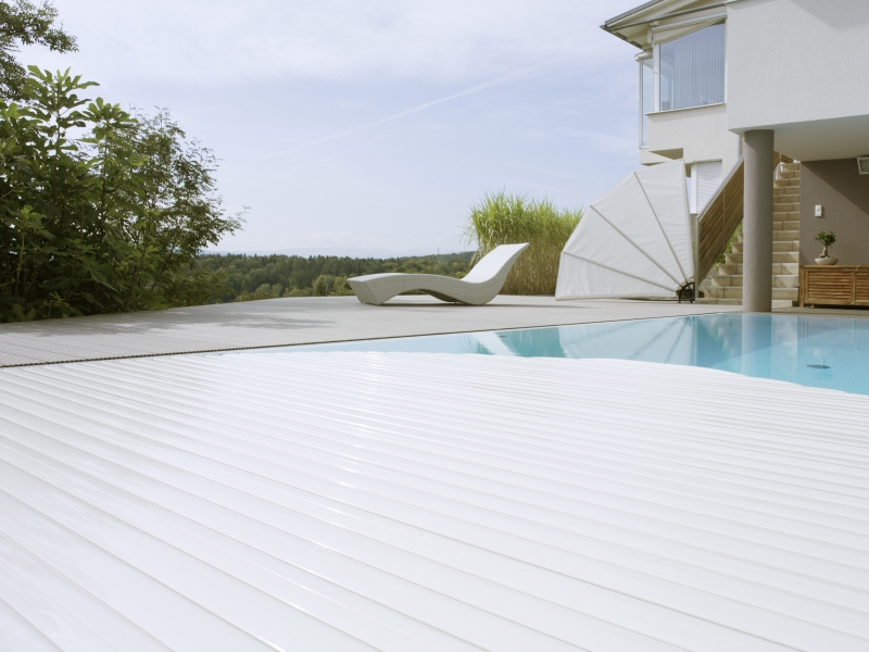 Decking compozit tip WPC - Pavarea suprafetelor din jurul piscinei REHAU - Poza 44