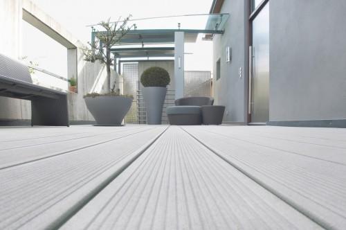 Prezentare produs Terase - Decking compozit tip WPC pentru pavaje terase, pardoseli piscine REHAU - Poza 49