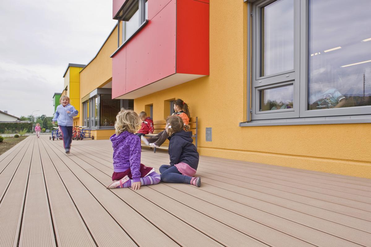 Terase - Decking compozit tip WPC pentru pavaje terase, pardoseli piscine REHAU - Poza 54