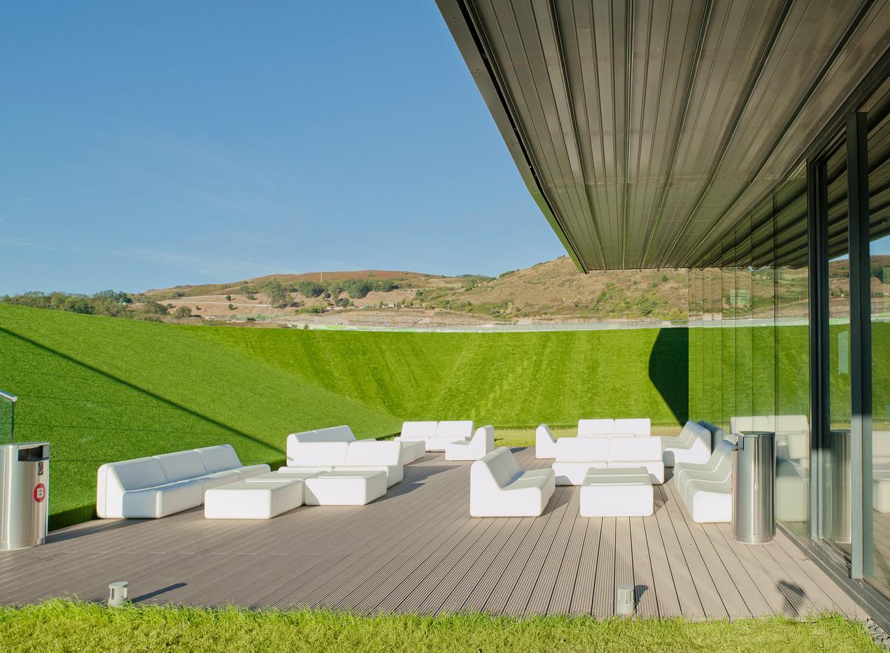 Terase - Decking compozit tip WPC pentru pavaje terase, pardoseli piscine REHAU - Poza 61