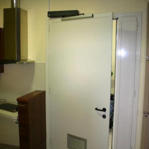 Exemple de utilizare Automatizari pentru usi uzuale, interioare, exterioare, automate, culisante sau rotative SIATEC - Poza 13