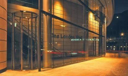Usa curba la un centru comercial din Londra BLASI Usi curbe