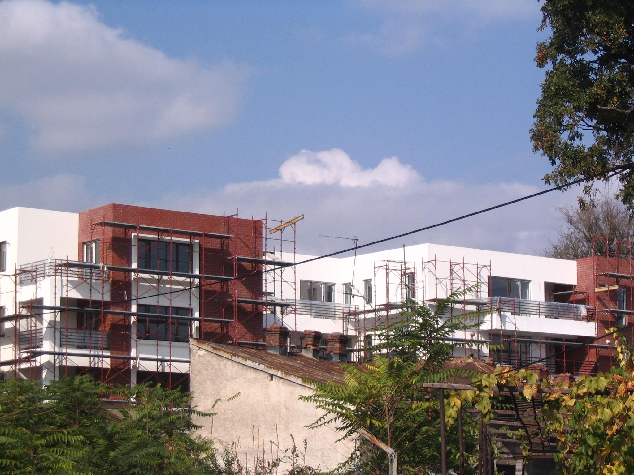 Ansamblu de locuinte in str. Popa Tatu, nr. 60-62, colaborare cu arh. Mihaela Hariton la fazele PAC si DDE  - Poza 2