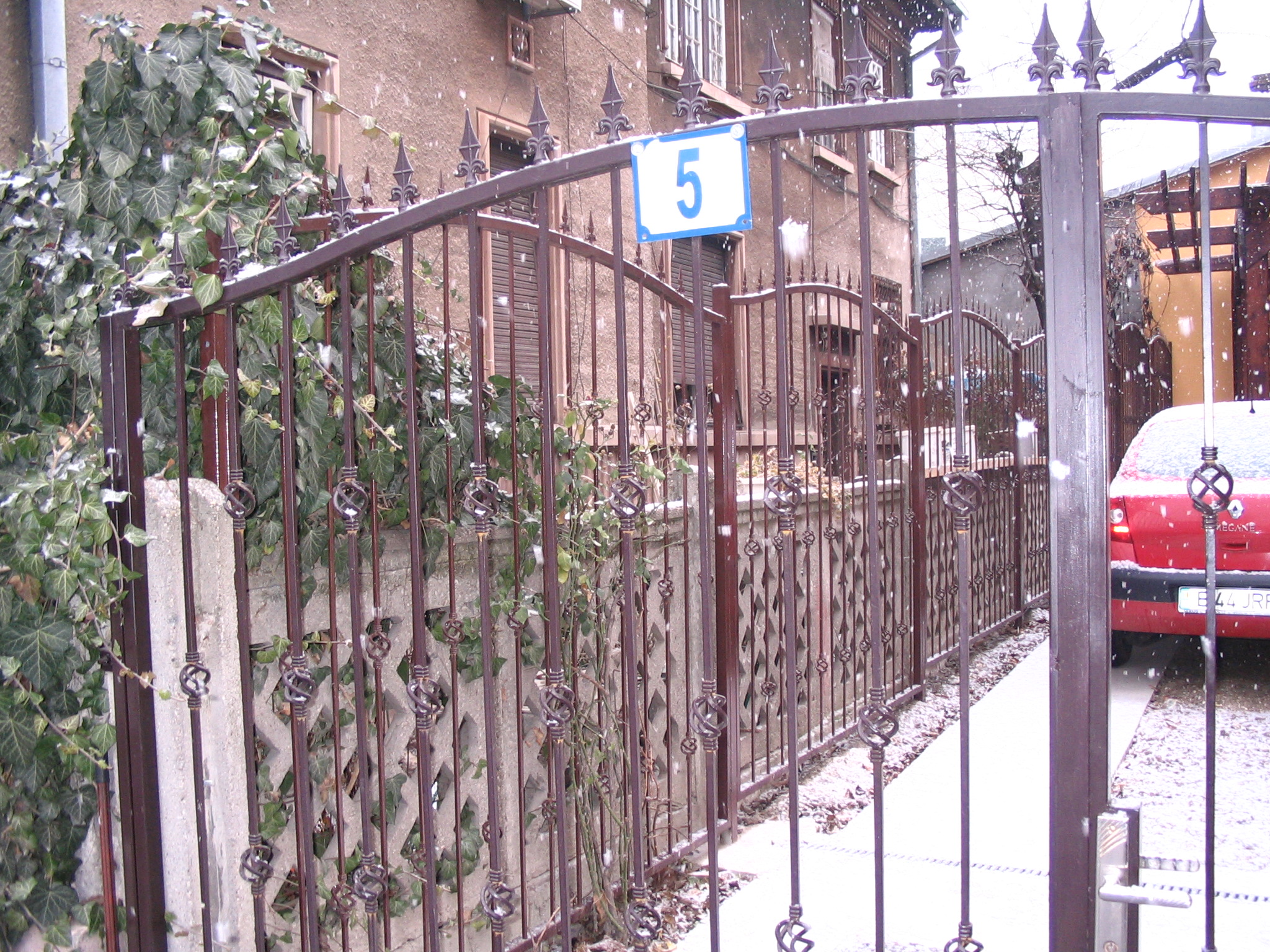 Reamenajare locuinta unifamiliala in str. Intrarea Noptii nr. 5  - Poza 1