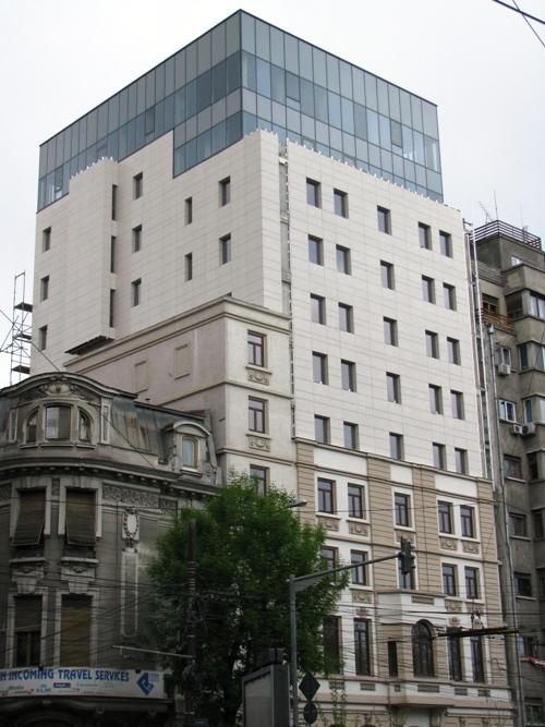 Sisteme de fixare si ancorare a fatadelor - Hotel CAROL Bucuresti EUROFOX - Poza 1