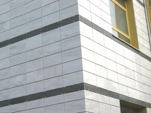 Lucrari, proiecte Sisteme de fixare si ancorare a fatadelor - Biblioteca Municipala Rm-Valcea EUROFOX - Poza 1