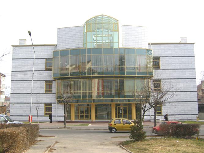 Sisteme de fixare si ancorare a fatadelor - Biblioteca Municipala Rm-Valcea EUROFOX - Poza 2