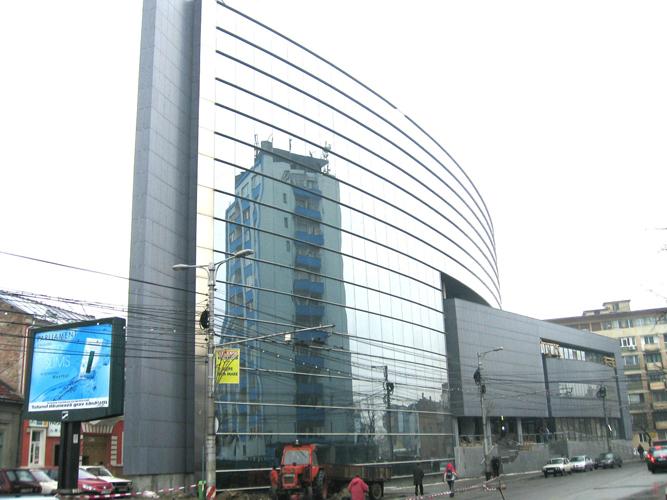 Sisteme de fixare si ancorare a fatadelor - Cladire birouri (anterior Banca Agricola) Cluj-Napoca EUROFOX - Poza 3