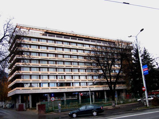 Sisteme de fixare si ancorare a fatadelor - Hotel ARO Brasov EUROFOX - Poza 2