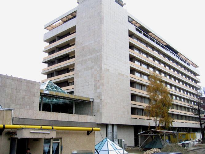 Sisteme de fixare si ancorare a fatadelor - Hotel ARO Brasov EUROFOX - Poza 4