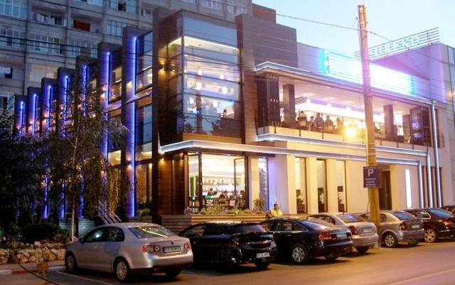 Placaje HPL pentru fatade si pereti - Restaurantul INTEGRA Constanta TRESPA - Poza 3