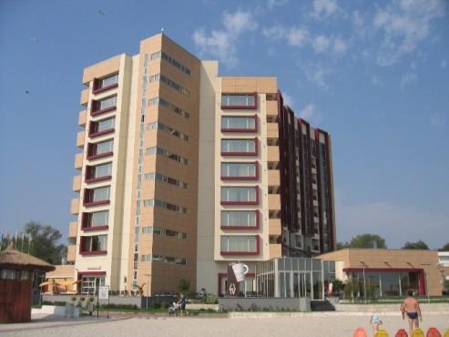 Lucrari, proiecte Placaje HPL pentru fatade - Hotel VEGA Mamaia TRESPA - Poza 8