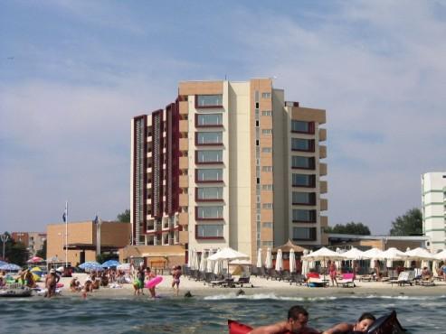 Lucrari, proiecte Placaje HPL pentru fatade - Hotel VEGA Mamaia TRESPA - Poza 13