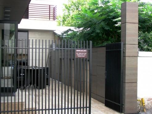 Lucrari, proiecte Placaje HPL pentru fatade - Sediu firma Str. Sg. Nitu Ion Bucuresti TRESPA - Poza 1
