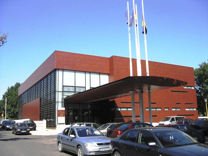 Placaje HPL pentru fatade - Centrul de Conferinte Neptun TRESPA - Poza 2