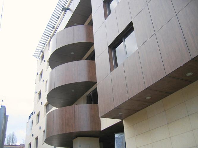 Placaje HPL pentru fatade - Cladire birouri Bucuresti Str.Brosteanu TRESPA - Poza 1