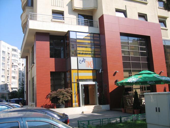 Placaje HPL pentru fatade - Hotel Times Bucuresti TRESPA - Poza 1