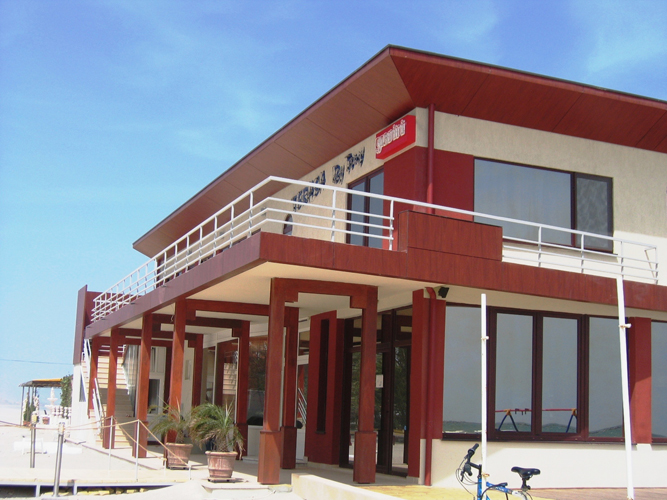 Placaje HPL pentru fatade - Minihotel BY TONI Mamaia TRESPA - Poza 1