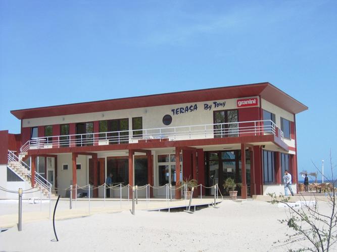 Placaje HPL pentru fatade - Minihotel BY TONI Mamaia TRESPA - Poza 3
