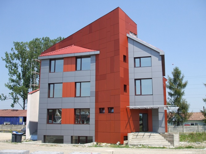 Placaje HPL pentru fatade - Sediu firma FILADELFIA Bistrita TRESPA - Poza 1