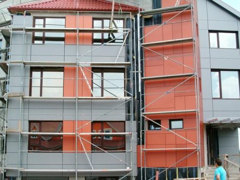 Lucrari, proiecte Placaje HPL pentru fatade - Sediu firma FILADELFIA Bistrita TRESPA - Poza 10