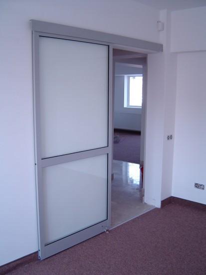 usa_glisanta Usi si ferestre cu tamplarie din profile de aluminiu