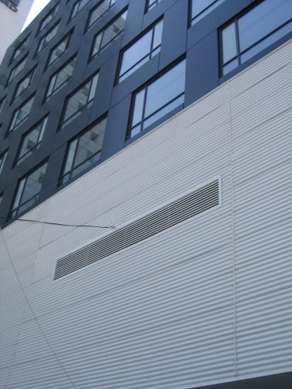 grila_fatada Usi si ferestre cu tamplarie din profile de aluminiu