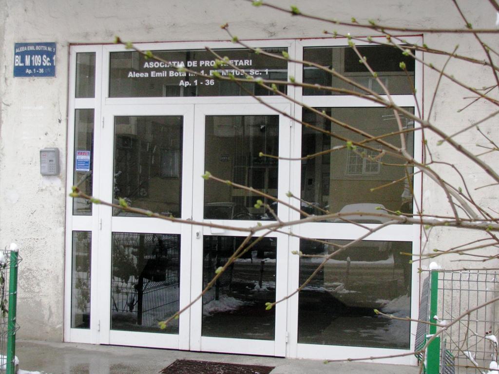 Usi si ferestre cu tamplarie din profile de aluminiu ABAFORM - Poza 5
