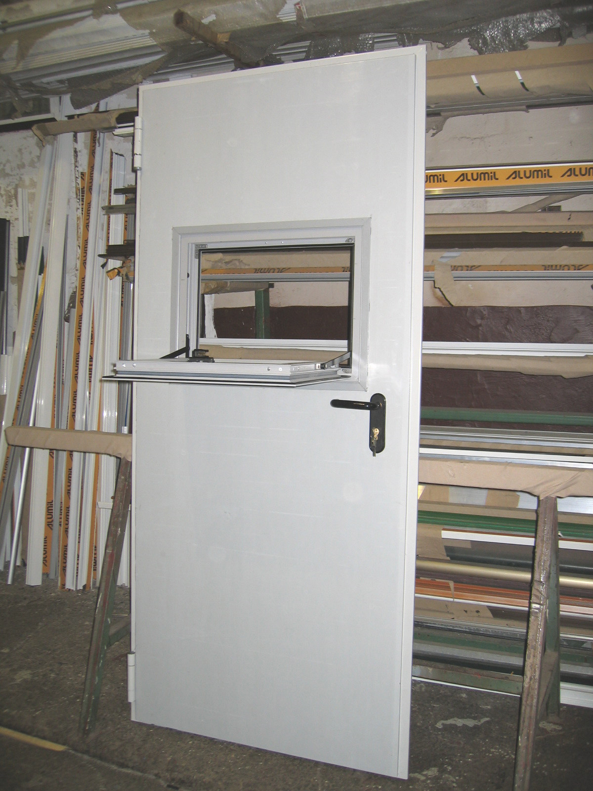 Usi si ferestre cu tamplarie din profile de aluminiu ABAFORM - Poza 11