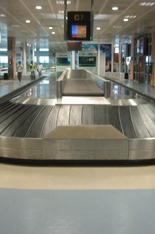 Aeroport Tenerife - Tenerife (Spania) ARTIGO - Poza 14