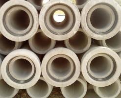 Tuburi din beton simplu si beton armat Tuburile din beton armate sunt rigide la incovoiere, nu se deformeza la depozitare si montaj, pot face fata aproape tuturor ipotezelor de incarcare.