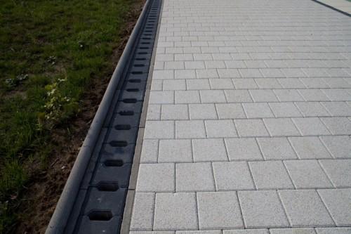 Prezentare produs Rigole din beton pentru zonele cu trafic pietonal redus ELIS PAVAJE - Poza 2