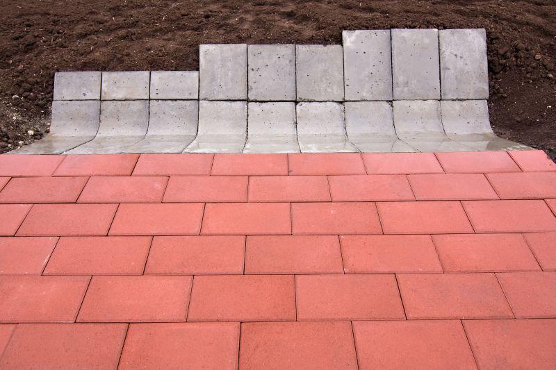 Sant triunghiular prefabricat din beton  ELIS PAVAJE - Poza 24
