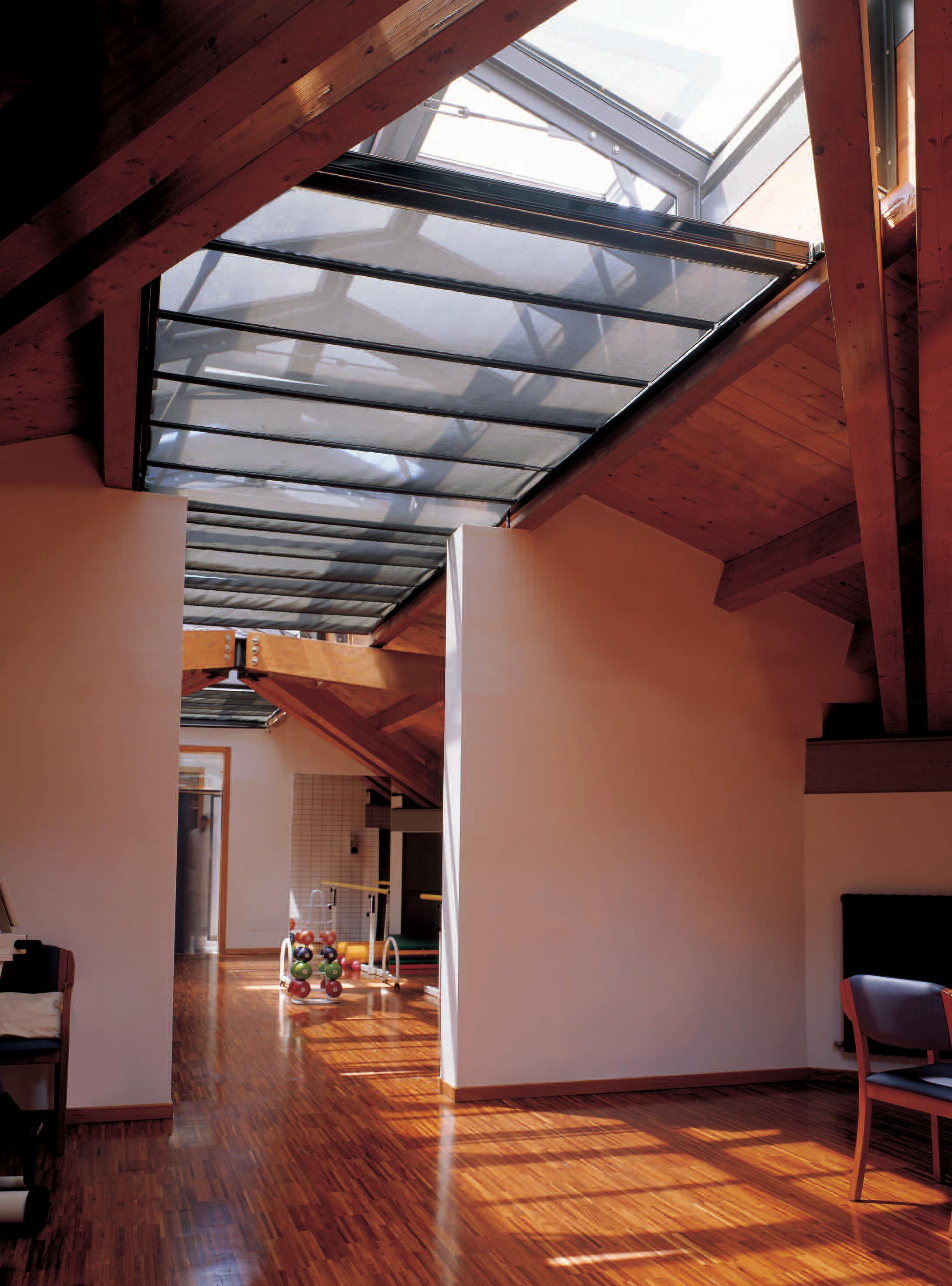 Rulouri motorizate tip skylight LUTRON - Poza 1