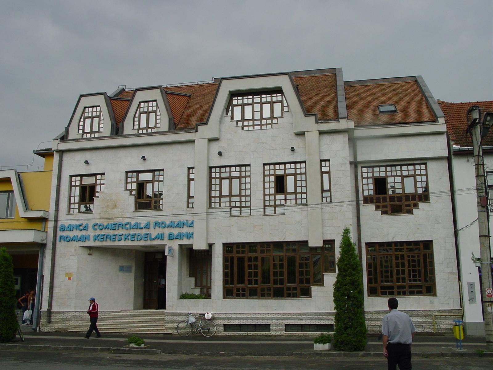 Sediu BCR Cristuru Secuiesc  - Poza 25