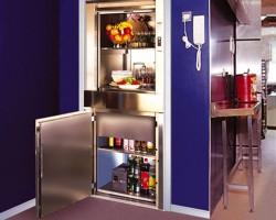 Ascensoare monte charge MONTE CHARGE - sunt ascensoare mici pentru materiale folosite la transportul produselor usoare si cu volum mic. MICROLIFT este solutia ideala pentru: restaurante, hoteluri, farmacii, spitale, magazine, birouri sau locuinte. Este un ascensor mic de serviciu pentru sarcini cuprinse intre 12 – 300 Kg si este livrat livrat cu structura metalica autoportanta pentru orice locatie avand o instalare usoara si rapida.