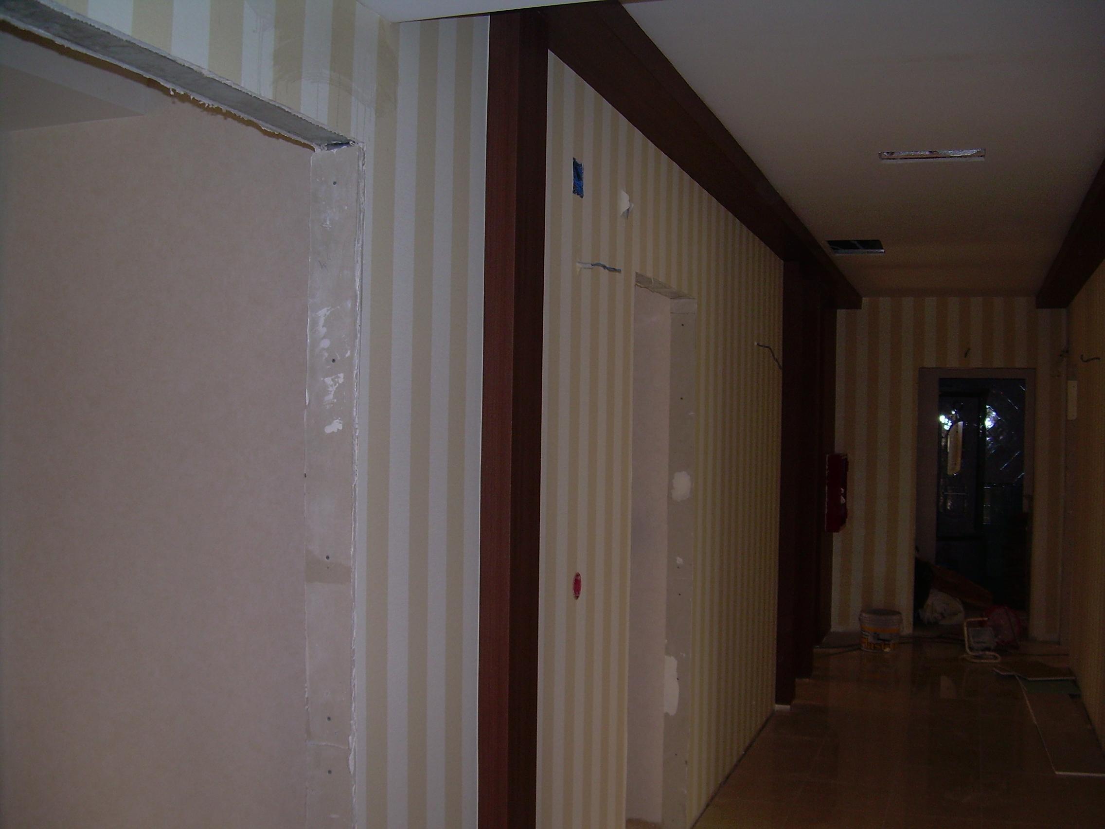 Lucrari de amenajare interioare cu tapet  - Poza 81