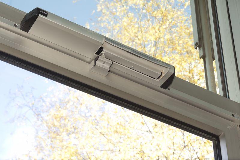 Sisteme de actionare electrica liniare pentru deschiderea ferestrelor GEZE - Poza 2