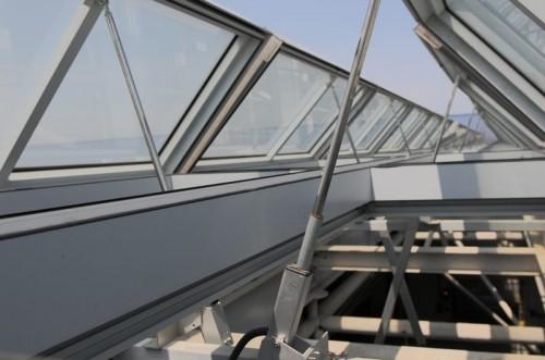 Sisteme de actionare electrice pentru deschiderea ferestrelor GEZE - Poza 1