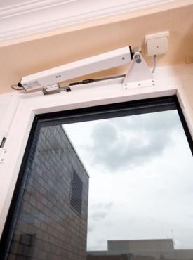 Sisteme de actionare electrice pentru deschiderea si inchiderea ferestrelor GEZE - Poza 4