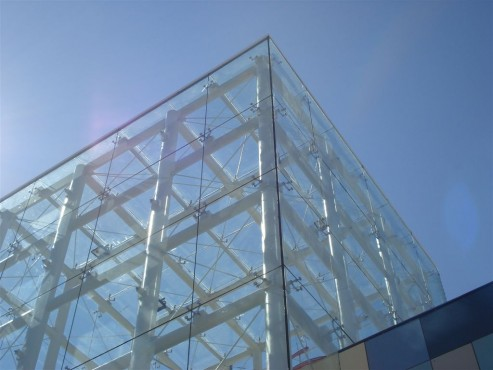 Lucrari, proiecte Sisteme complexe de fixare a sticlei - Proiectul Carrefour Arad SADEV DECOR - Poza 2