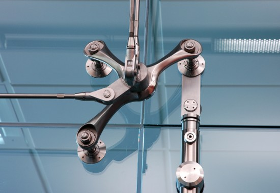 Sisteme pentru usi pivotante si glisante din sticla SADEV DECOR