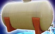 Rezervoare supraterane din fibra de sticla Rezervoarele supraterane New Design Composite se folosesc la depozitarea si transportul de lichide alimentare-chimice si alte aplicatii in industrie.