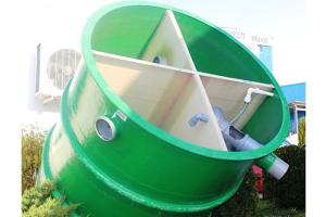 Ministatii de epurare din fibra de sticla Ministatiile de epurare din fibra de sticla New Design Composite se folosesc pentru apele uzate menajere si industriale cu incarcatura mare de poluanti.