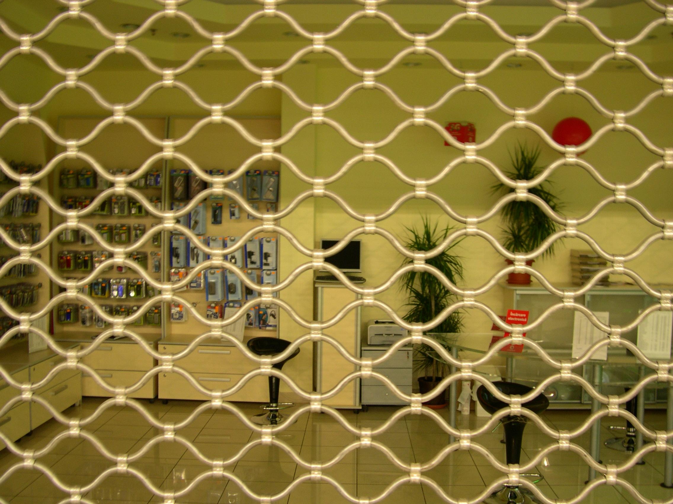 Grilaje metalice din tuburi ondulate FLEXIBLE DOOR CONCEPT - Poza 2
