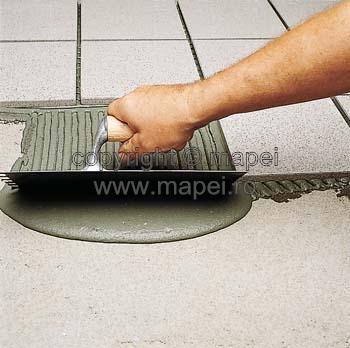 Prezentare produs Adeziv bicomponent pe baza de ciment MAPEI - Poza 2