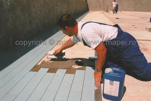 Adeziv bicomponent pe baza de ciment MAPEI - Poza 4